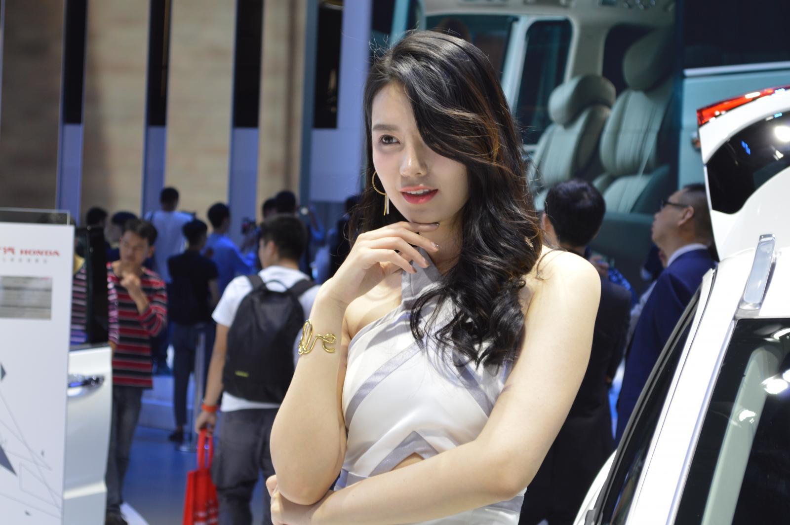 2017广州车展,美女小姐姐
